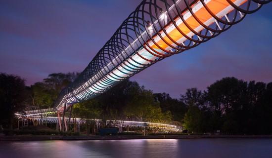 Pasarela conocida como Slinky (foto de Schlaich Bergermann & Partner).