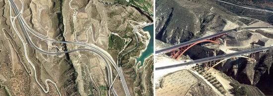 Los puentes de Tablate y Tablate II en Granada son magníficas soluciones si se analizan independientemente obviando la existencia de otro puente tan próximo. Como conjunto tienen una relación extraña, tanto que uno de ellos trata de camuflarse para pasar desapercibido. Fueron construidos con menos de siete años de diferencia. ¿Podría haberse tenido previsión como para plantear un único gran puente como solución al problema conjunto de cruce? Fuentes (de izquierda a derecha): Google Maps (https://maps.google.com/maps?ll=36.91368,-3.52857&z=16&t=h&output=classic&dg=brw); Panoramio (http://www.panoramio.com/photo_explorer#view=photo&position=71&with_photo_id=50341941&order=date_desc&user=2370489)